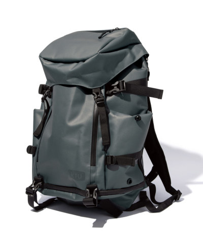 SOLID FLAP BACKPACK